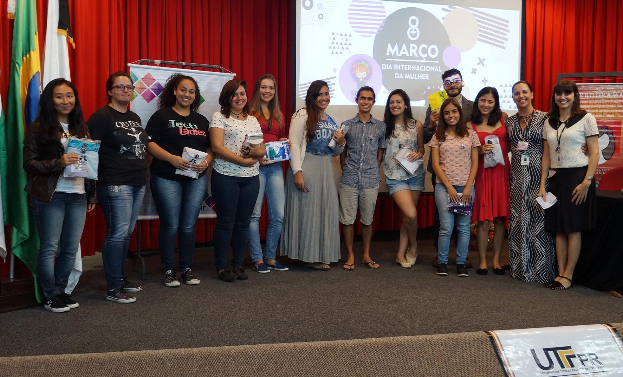 Projetos do Meninas Digitais promovem eventos em lembrança ao Dia Internacional da Mulher no mês de março