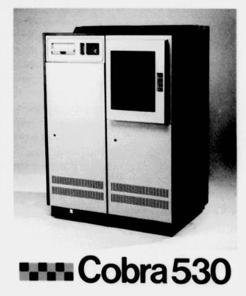 Foto em preto e branco do computador COBRA 530