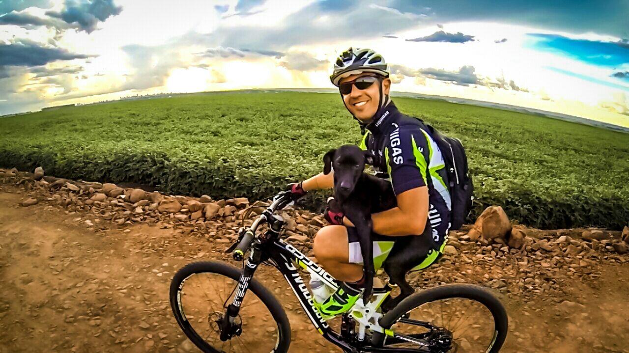 Moreno – paixões além da docência: animais, moto e bike