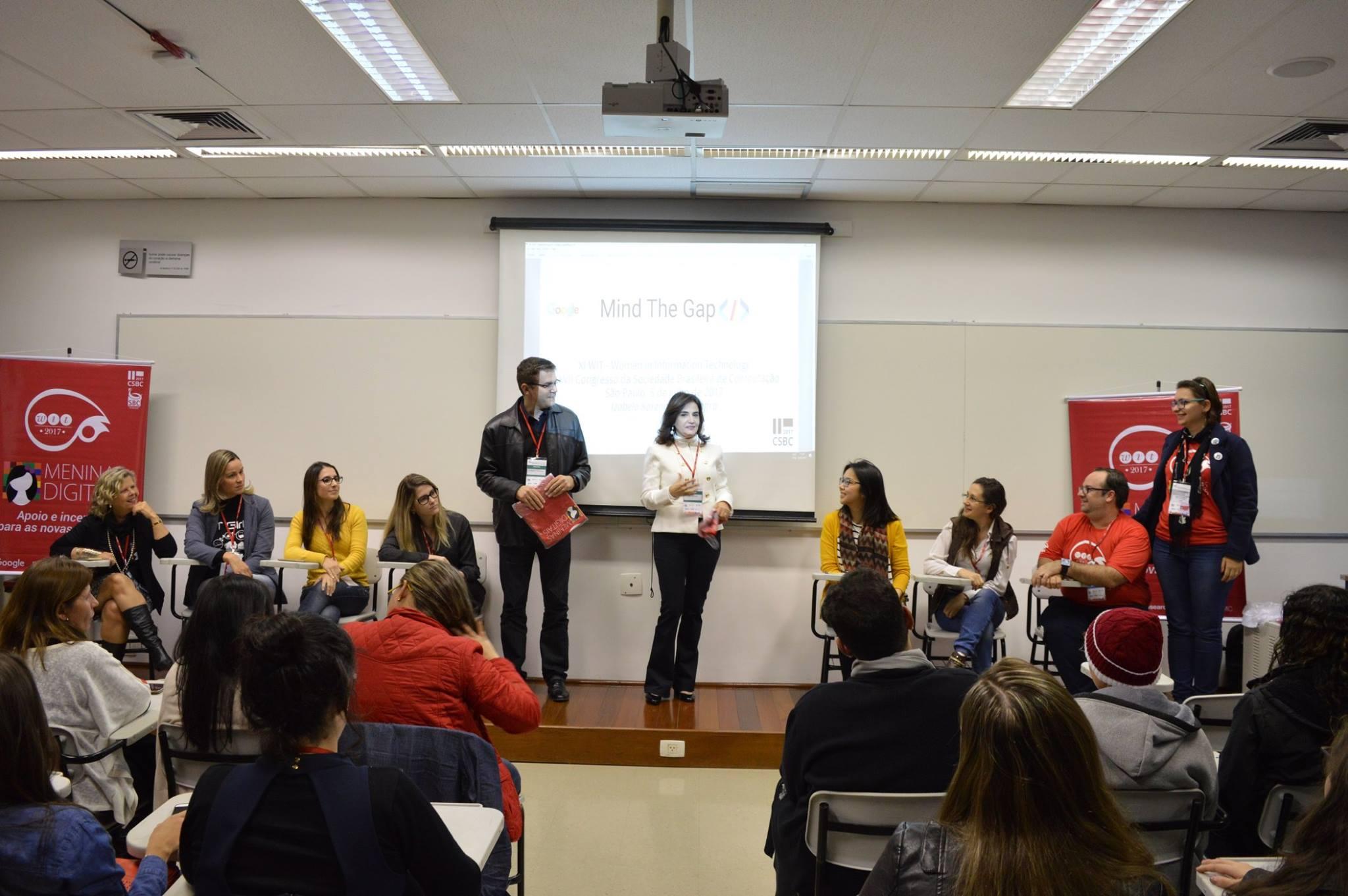 Painel do Fórum Meninas Digitais com a presidência da SBC